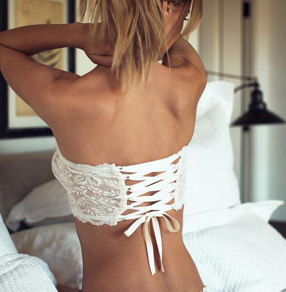 White lace ribbon bikini